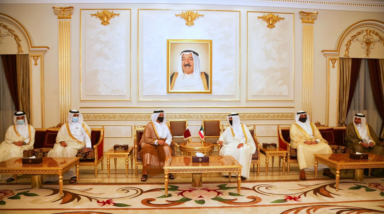 Minister of Foreign Affairs Meets Kuwaiti Foreign Minister