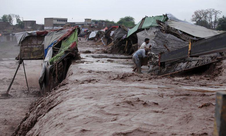 16 people killed in flash floods in Pakistan
