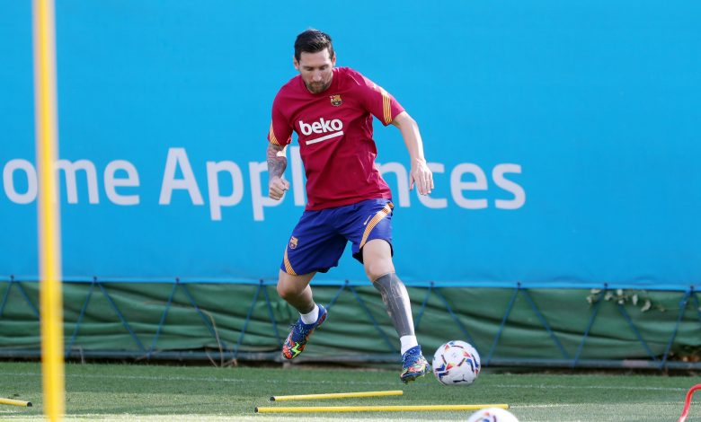 Video and photos of Messi's return to Barcelona training