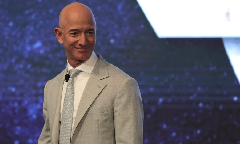 Jeff Bezos tops Forbes richest list