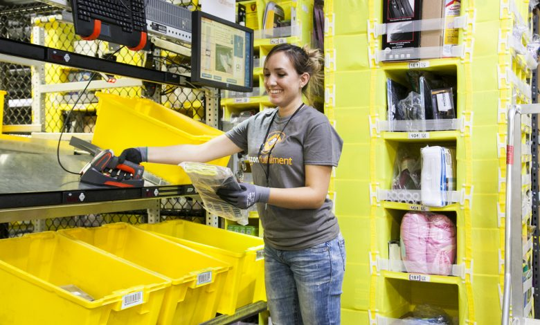 """$15 per hour .. """"Amazon"""" has 33,000 jobs available in these areas"""