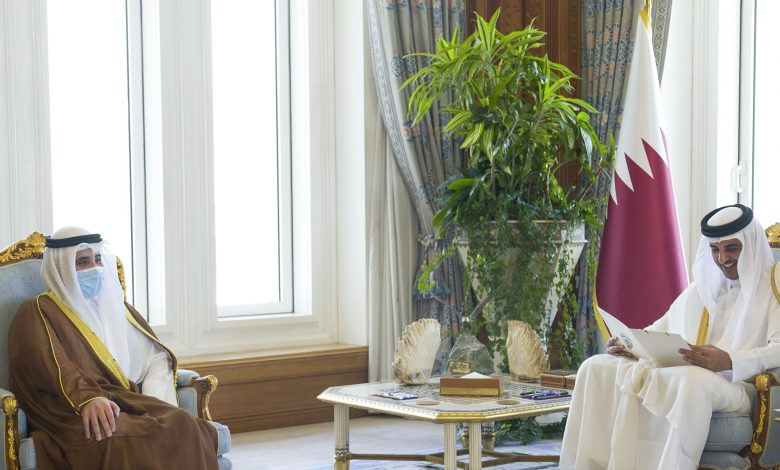 Amir Receives Written Message from Deputy Amir and Crown Prince of Kuwait