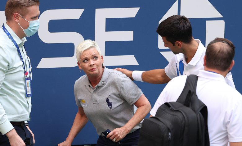 Djokovic urges angry fanbase not to turn on line judge