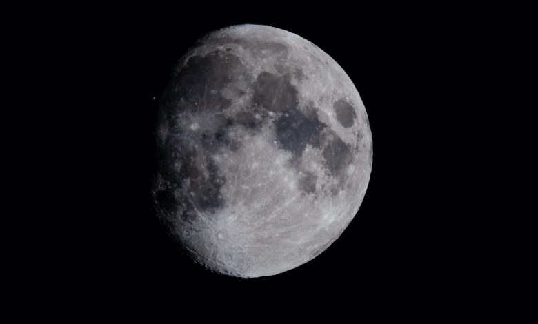 Japan plans to use moon water as fuel
