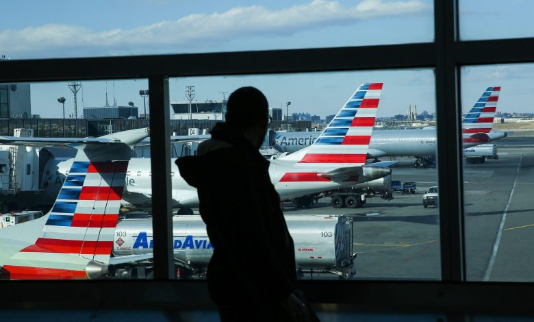 U.S. aviation sector begins today with layoffs of tens of thousands of employees
