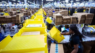 Photo of Amazon says nearly 20,000 of its workers got COVID-19