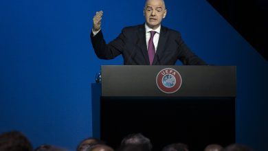 Photo of FIFA President Rules Out Holding World Cup 2022 Without Fans
