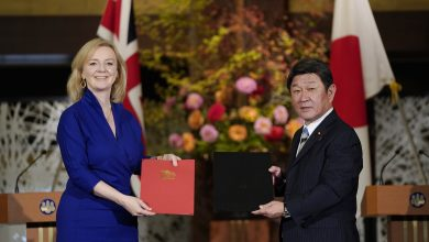 Photo of UK Signs First Major Post-Brexit Trade Deal with Japan
