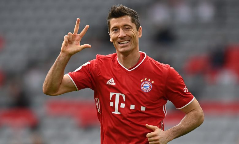 Lewandowski continue to shine as Bayern sweep Eintracht Frankfurt