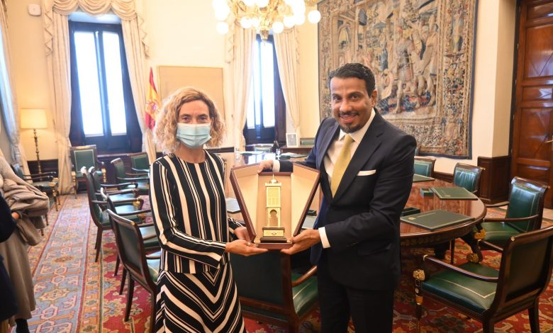 Spanish Parliament Speaker Meets Qatari Ambassador