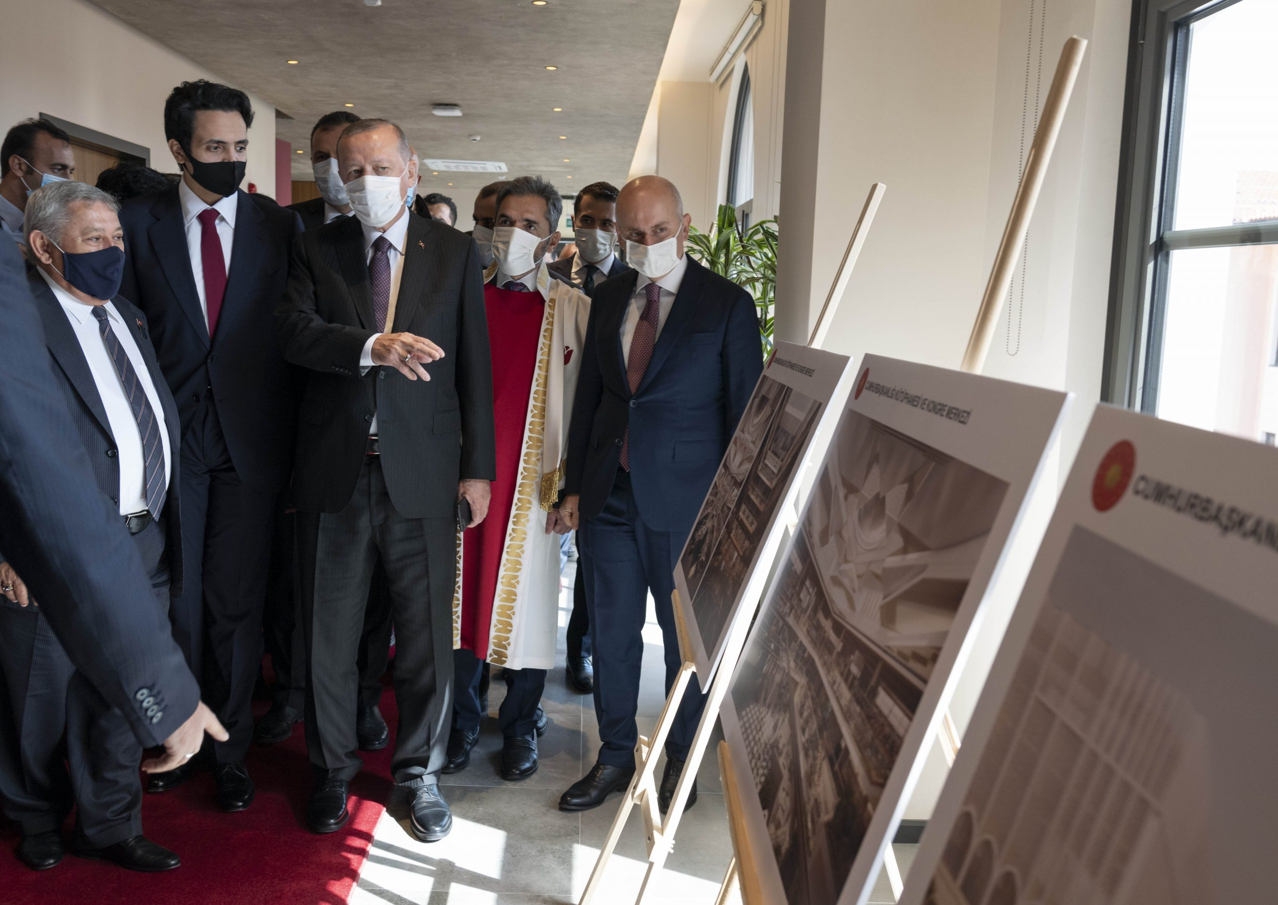 Sheikh Thani bin Hamad Attends Opening Ceremony of Ibn Haldun University
