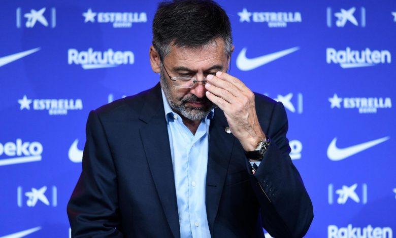 Barcelona president submits resignation