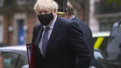 Johnson Informs Merkel of Britain's Desire to Bridge Gaps in EU Talks