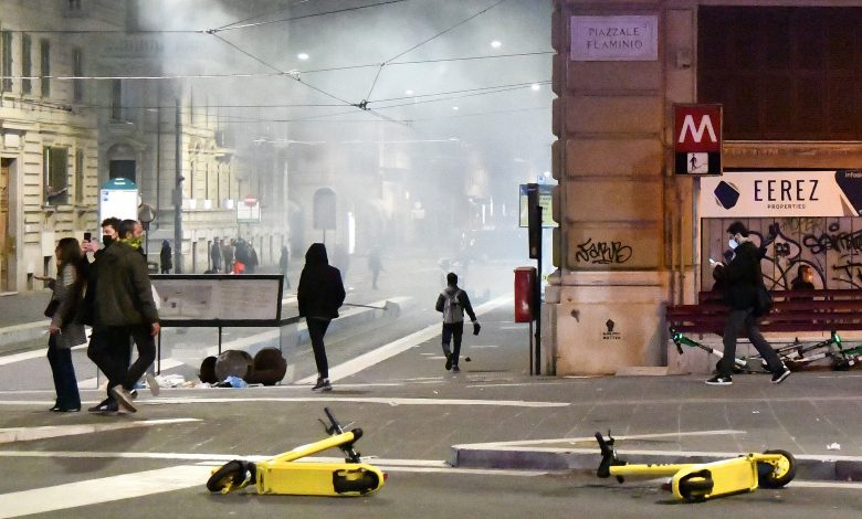 Italy: Clashes between protesters and police in Florence