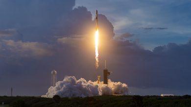 SpaceX launches 60 internet satellites into orbit