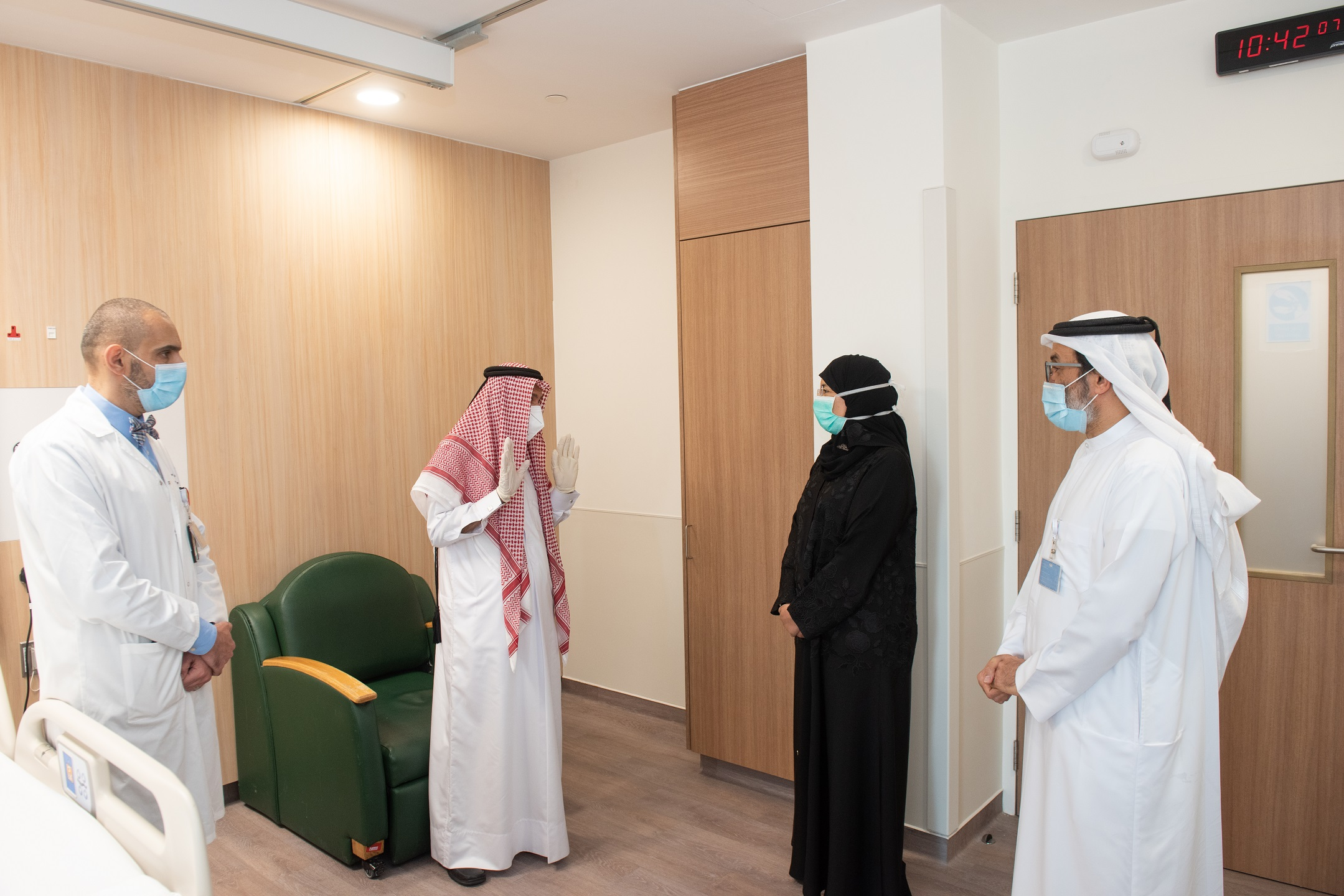 Minister of Public Health Meets Organ Transplant Recipients and Family of Donor
