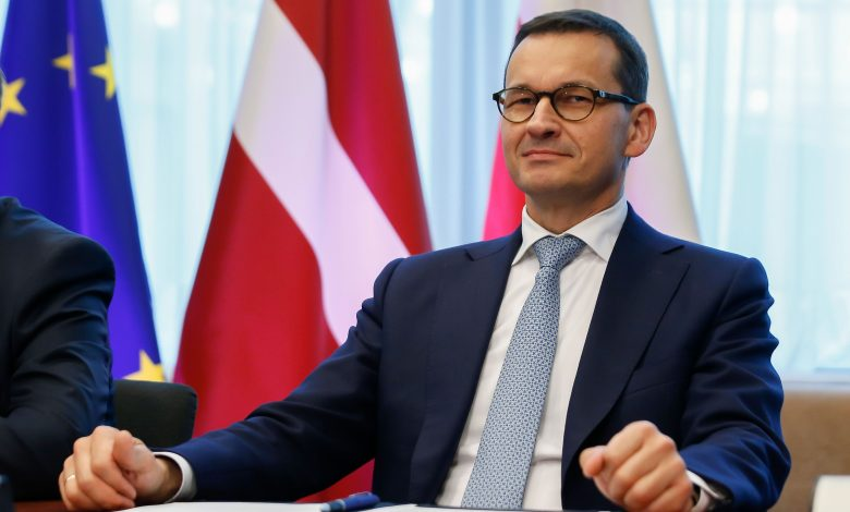 Polish PM Says National Quarantine Possible to Halt Virus Spreading