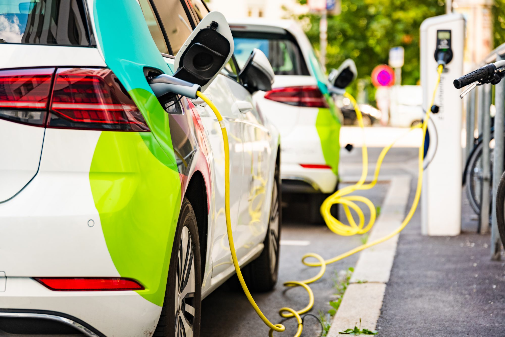 Companies Wanting to Install EV Charging Units Must Coordinate in Advance with MOTC