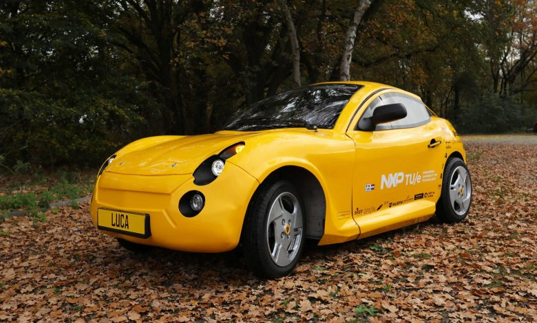 Dutch students build electric car from recycled material