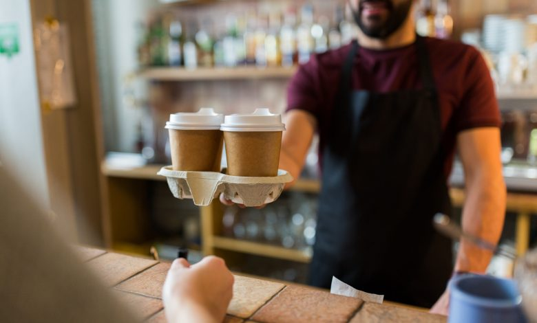 Warning against drinking hot drinks in paper or plastic cups