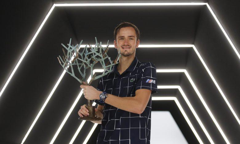 Medvedev Beats Zverev at ATP Finals
