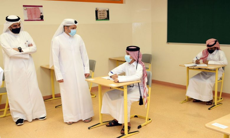 Minister of Education Checks on Progress of High School Exams