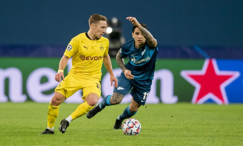 Dortmund clinch top spot with 2-1 win at Zenit