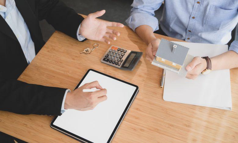New Batch of Qatari Real Estate Brokers Obtain License