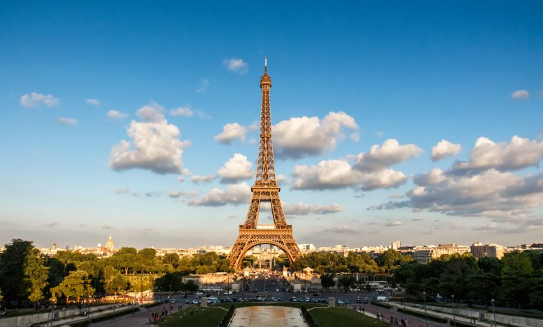 Eiffel Tower steps fetch 274,000 euros at auction