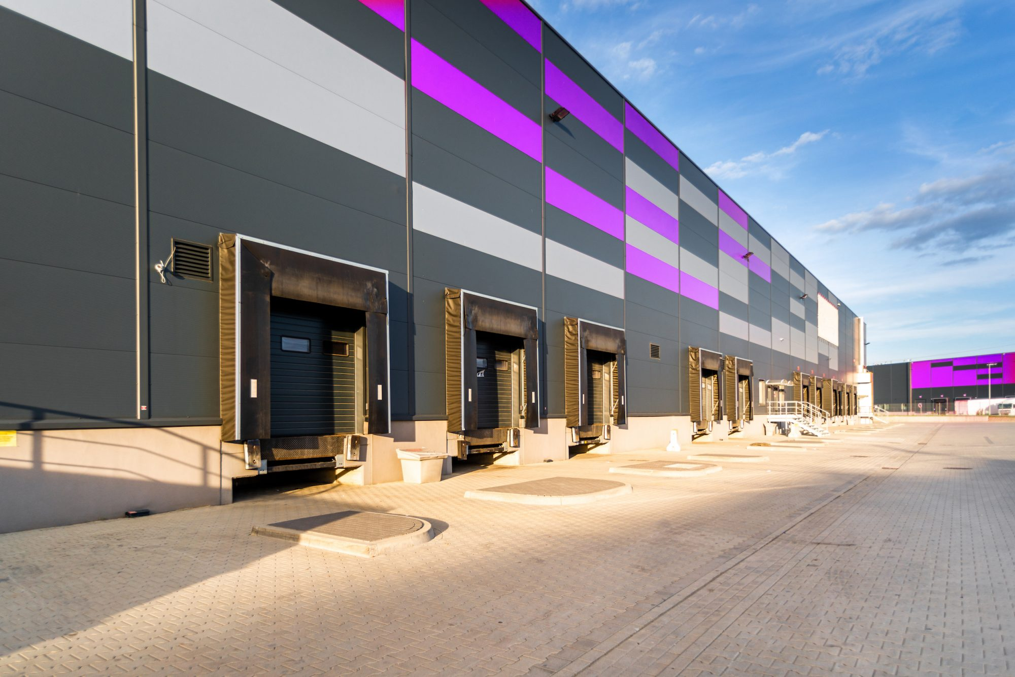 Ministry Signs Contract to Establish, Operate Self-Storage Container City
