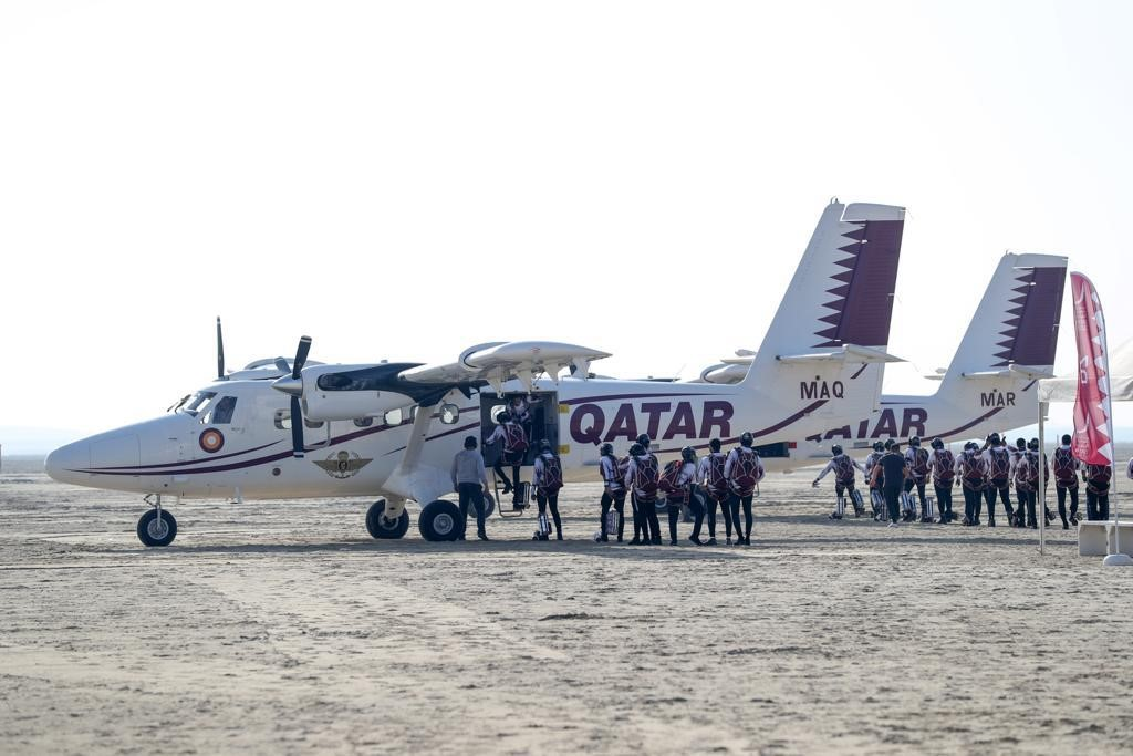 Qatar Team Top on Day 1 of Parachuting Championship