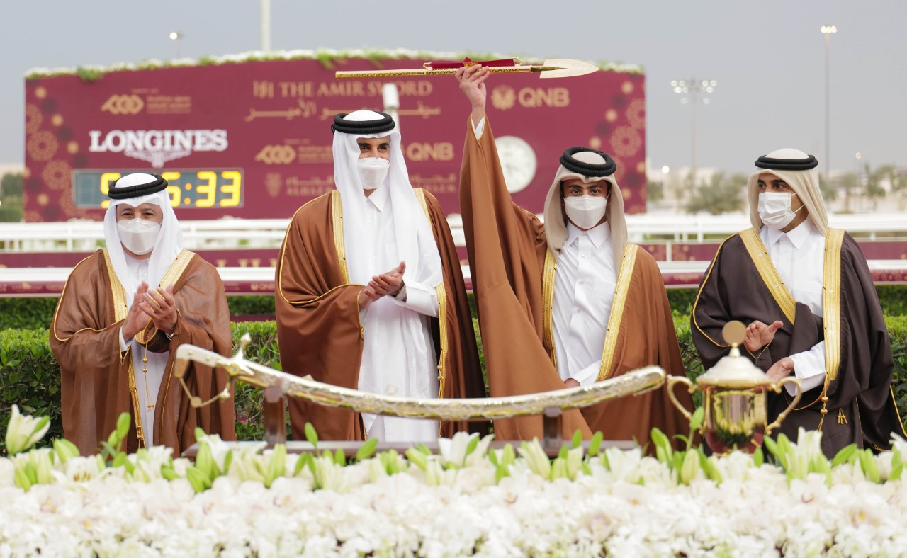 Amir Attends Closing of His Highness Sword Equestrian Festival