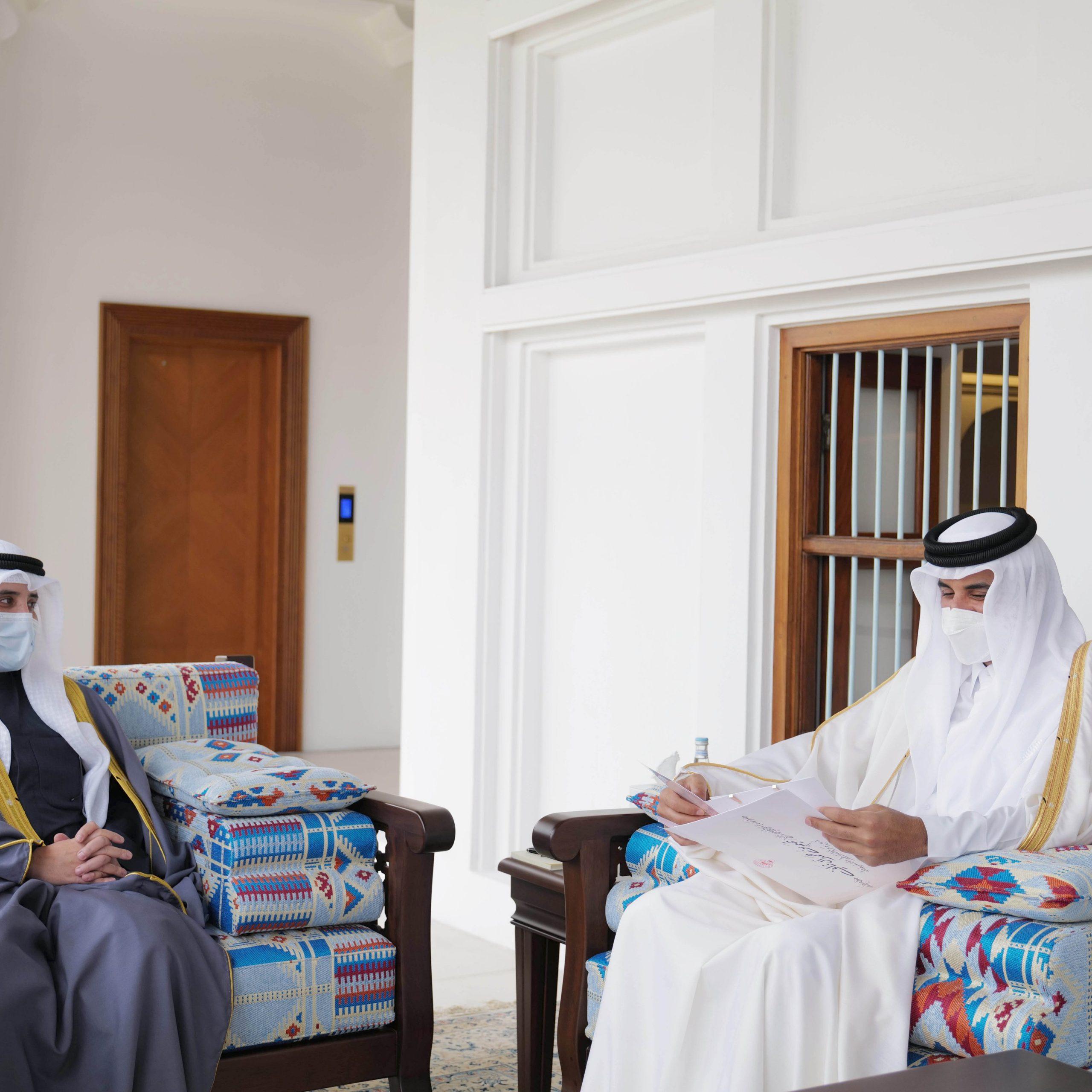 Amir Receives Written Message from Amir of Kuwait