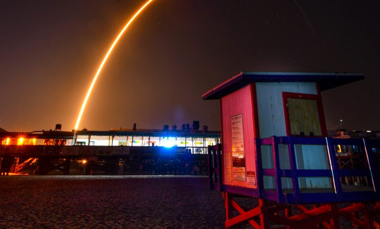 SpaceX Launches 60 Small Satellites