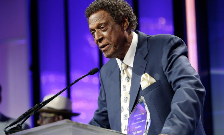 Elgin Baylor, Lakers legend, dies at the age of 86