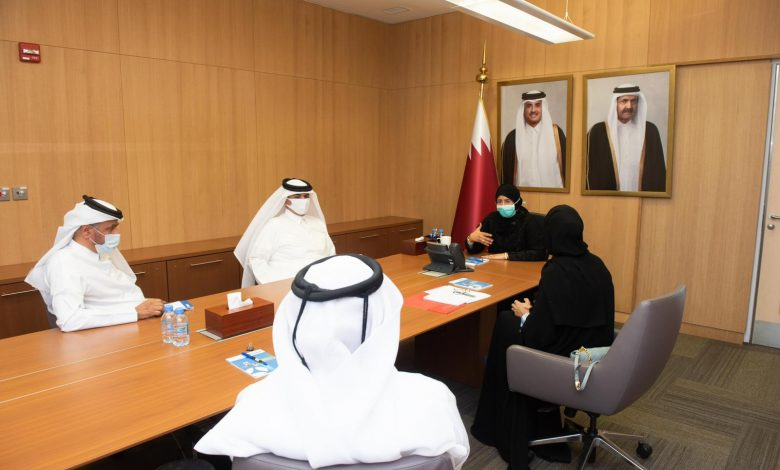 The Minister of Public Health meets with a delegation from the QRC