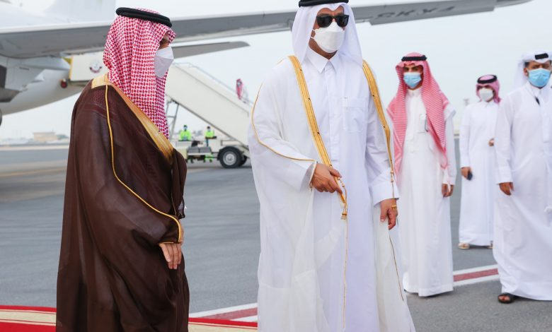 Foreign Minister Meets His Saudi Counterpart
