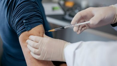 5 tips for relieving arm pain after vaccine