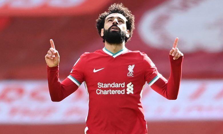Premier League: Liverpool beat Aston Villa 2-1