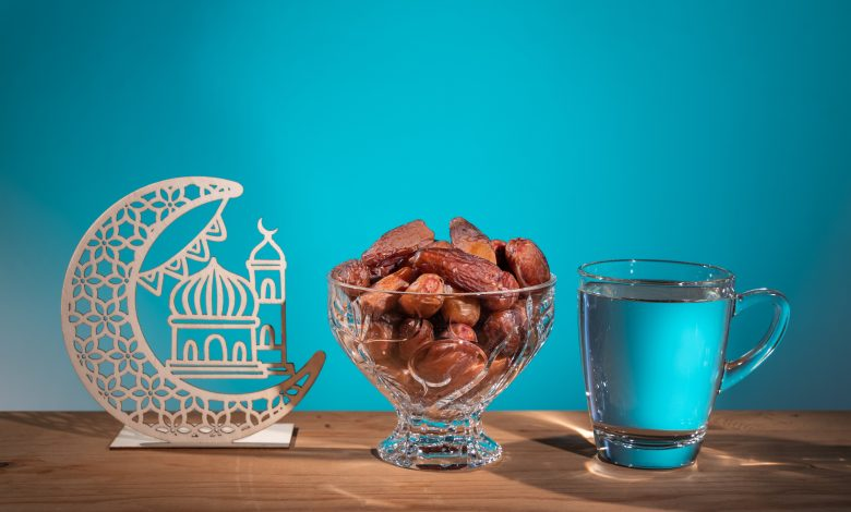 5 foods that cause thirst and should be avoided on Suhoor