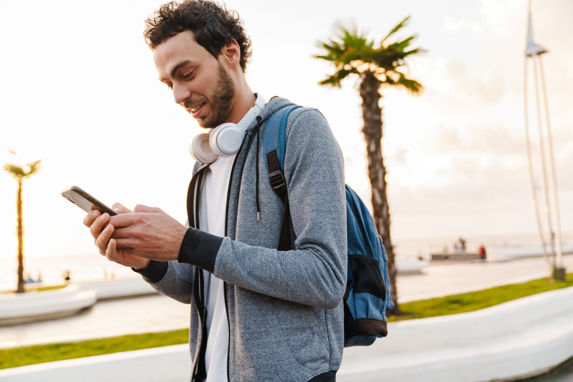 Google Tests New Feature that alerts of Using Phone While Walking