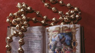 Mary Queen of Scots rosary beads stolen