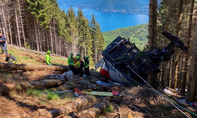 Italian cable car crash kills 14 people