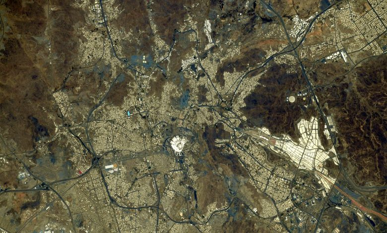 Japanese astronaut posts picture of Holy Mecca from the sky