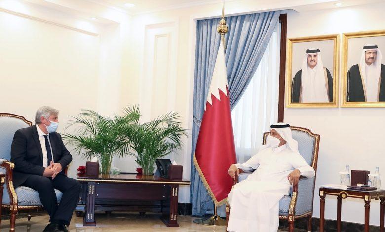 Speaker of Shura Council Meets President of France-Qatar Friendship Group