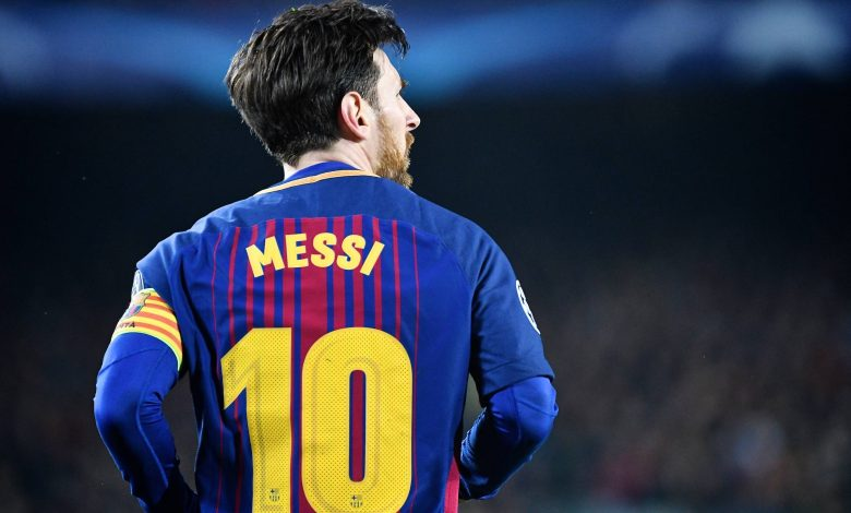 Messi decides to stay in Barcelona