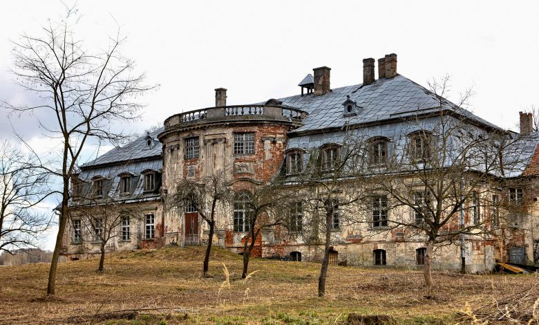 "Treasure hunters to dig up ""Hitler Treasure"" in Poland"