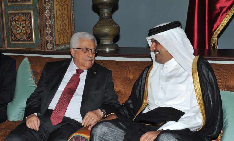Amir Holds Phone Call with Palestinian President