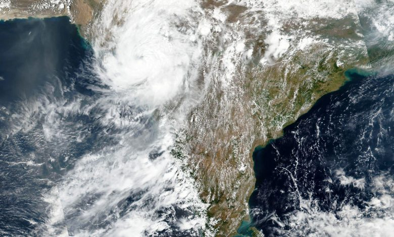 Cyclone leaves 27 dead, 100 missing in India