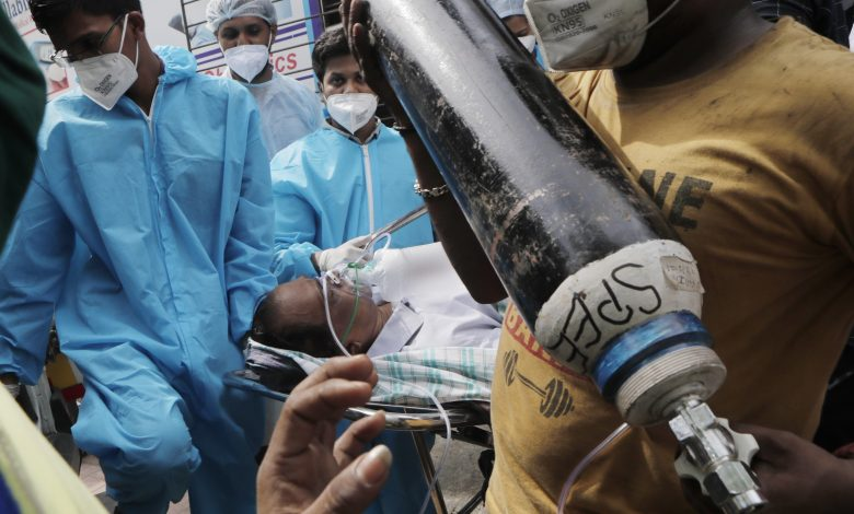 Oxygen cylinders being sold in black market in India